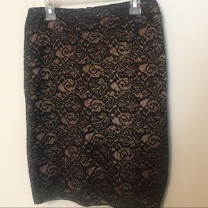 Midi gold and black lacy skirt